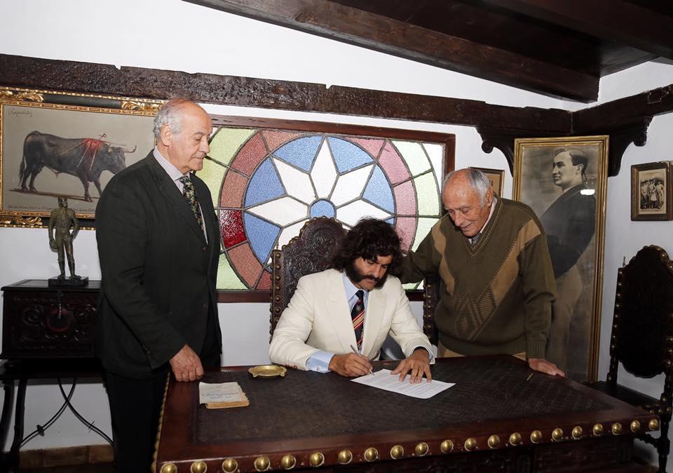 MORANTE DE LA PUEBLA signe le contrat de son retour à Séville pour 2018