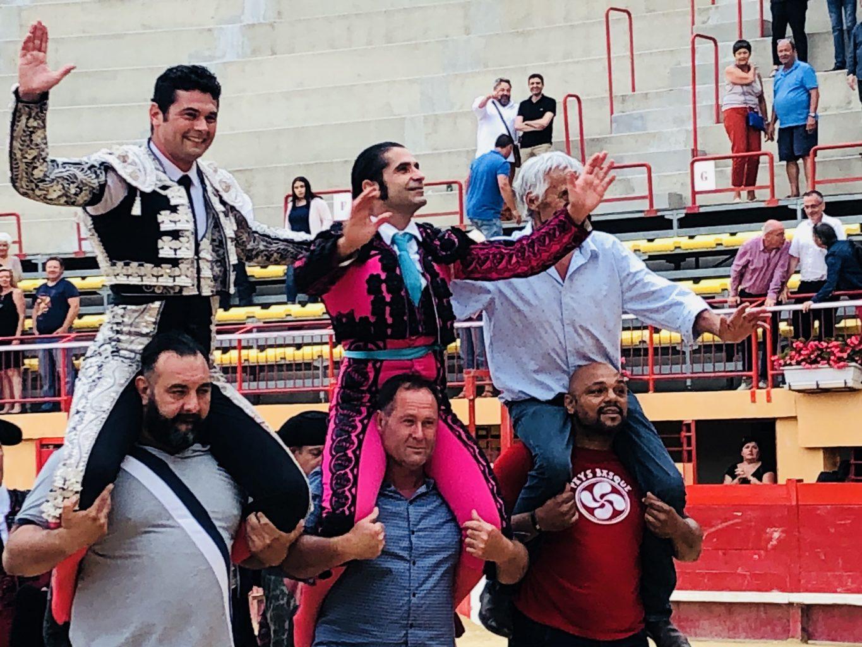 MAUGUIO (10-06) JAVIER CONDE gracie Opulento et sort par la grande Porte en compagnie de ROMAN PEREZ qui coupe quatre oreilles d'un bon lot de Gallon
