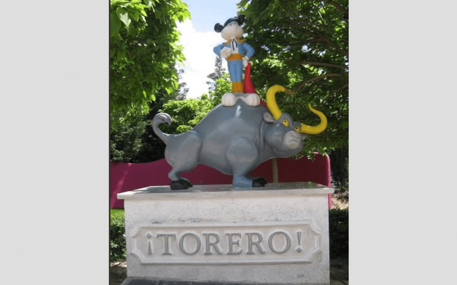 "INFO // La statue ""Bugs Bunny TORERO"" retirée des studios WARNER"
