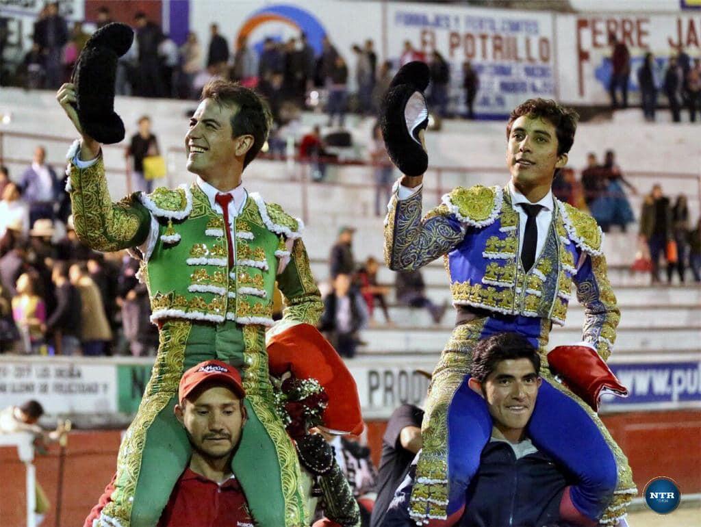 Jalpa (Zacatecas – MEXICO) (01/01/2019) – Arturo Macías et Leo Valadez a hombros pour le nouvel an
