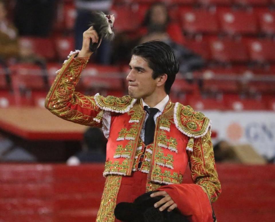 MEXICO (06-01) Deux oreilles pour CALITA et double cornada pour FABIAN BARBA
