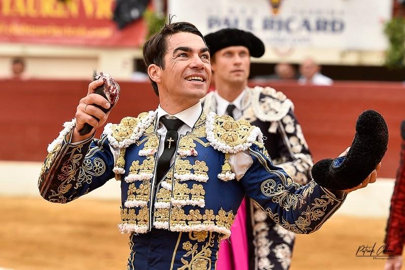 VIC-FEZENSAC (09-06-2019, matin) DOMINGO LOPEZ CHAVES coupe une oreille d'un La Quinta de vuelta