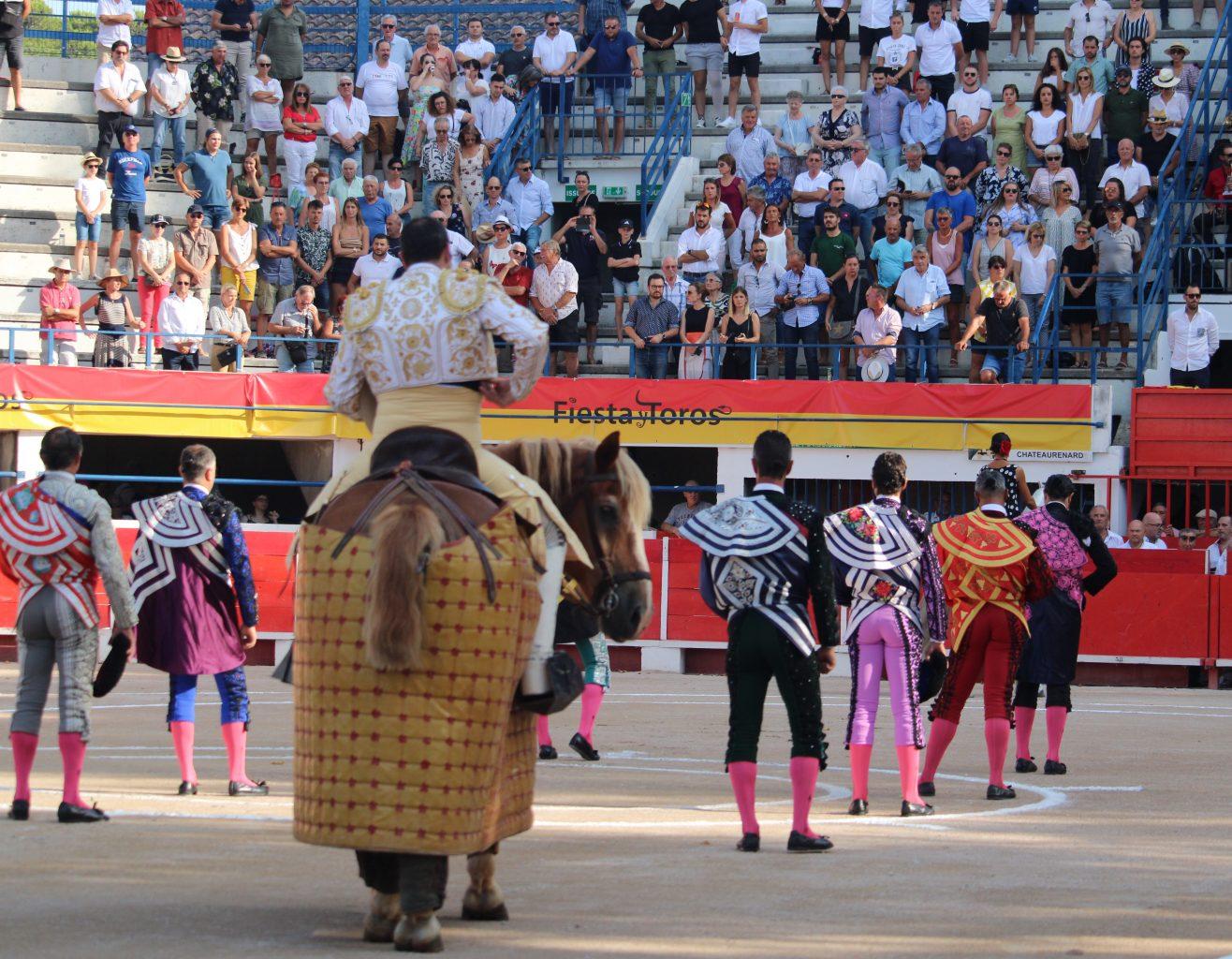 DIRECT // CHÂTEAURENARD // Corrida de La Quinta pour FERNANDEZ MECA, JAVIER CONDE et ROMAN PEREZ