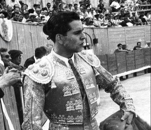 Pierre Schull, matador de toros français…