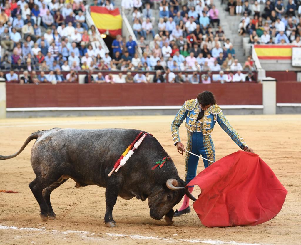 MADRID (06-10-2019) VIDEO // La main gauche de CURRO DIAZ sauve la tarde.